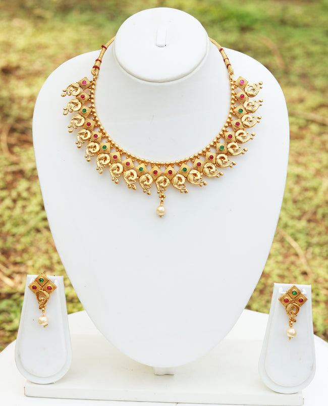 Flashy Green Maroon Color Short Necklace Set