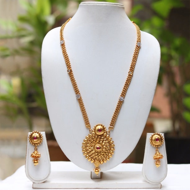 Gold plated kundan stone necklace set