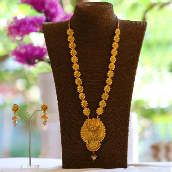 Look Ethnic Gold Plated Long Necklace For Women (LEMZL00031)