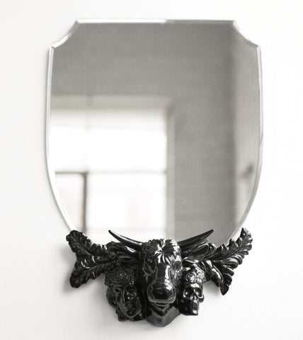decorative-mortality-wall-mirrors-living-room