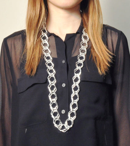 silver-chain-link-fashion-statement-necklace