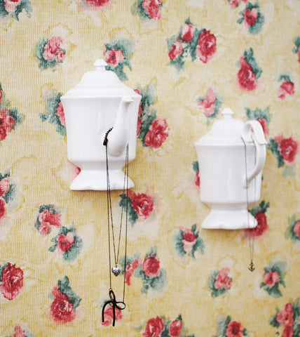 high-tea-english-wall-mounted-jewelry-holder-ideas