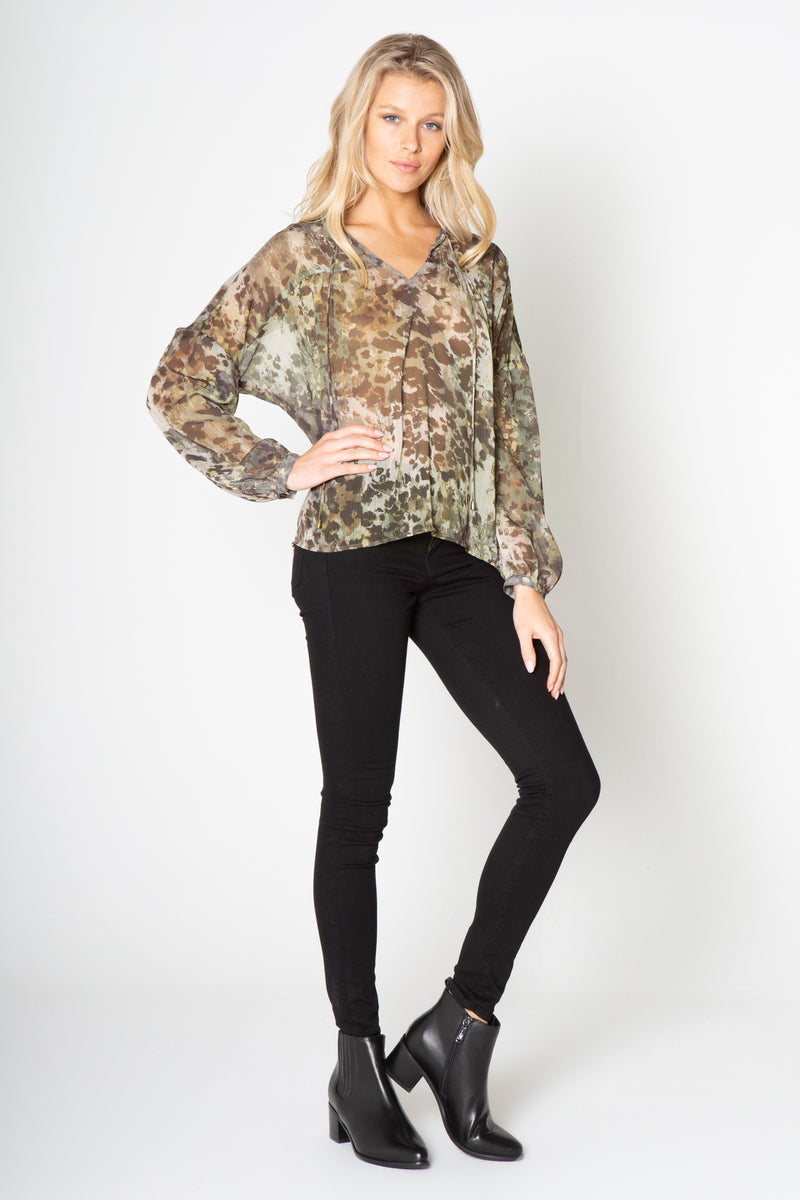 PEASANT LONG SLEEVE TOP