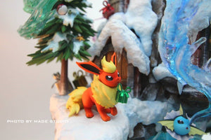 (Preorder) Made Studio Eevee Family Xmas