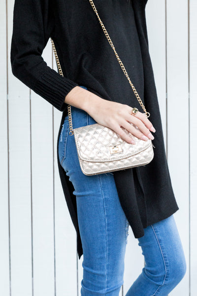 METALLIC QUILTED CLUTCH - GOLD