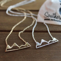 Small mountain necklace