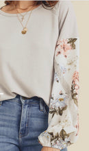 Load image into Gallery viewer, Doe & Rae Grey Floral Sleeve Top