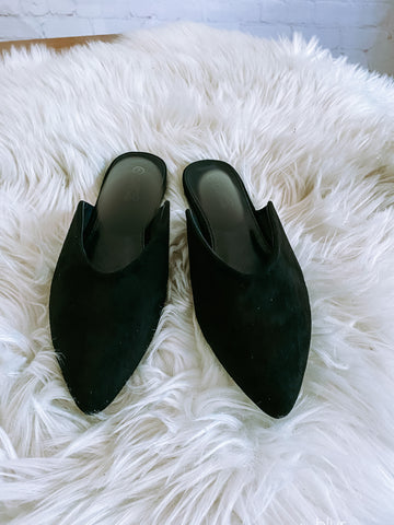Bella Vita Mules: Black