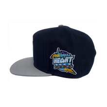 Load image into Gallery viewer, Heart Snapback w/ Blue Bottom