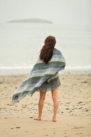 Recycled Wool Throw - Picnic at the Beach