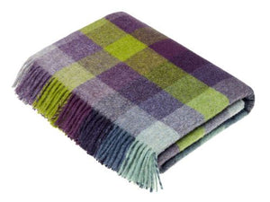 Harlequin Check Pure New Wool Throw - Blackcurrant