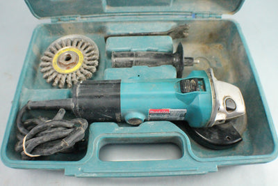 "Makita 9523NBH 4"" Angle Grinder 120V 5A Corded with Handle"