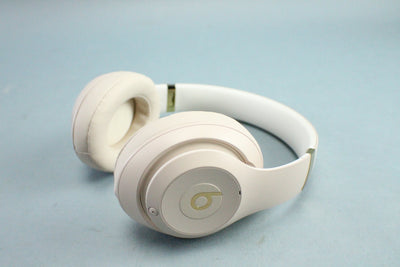 Beats Studio3 Wireless Headphones The Beats Skyline Collection Desert Sand