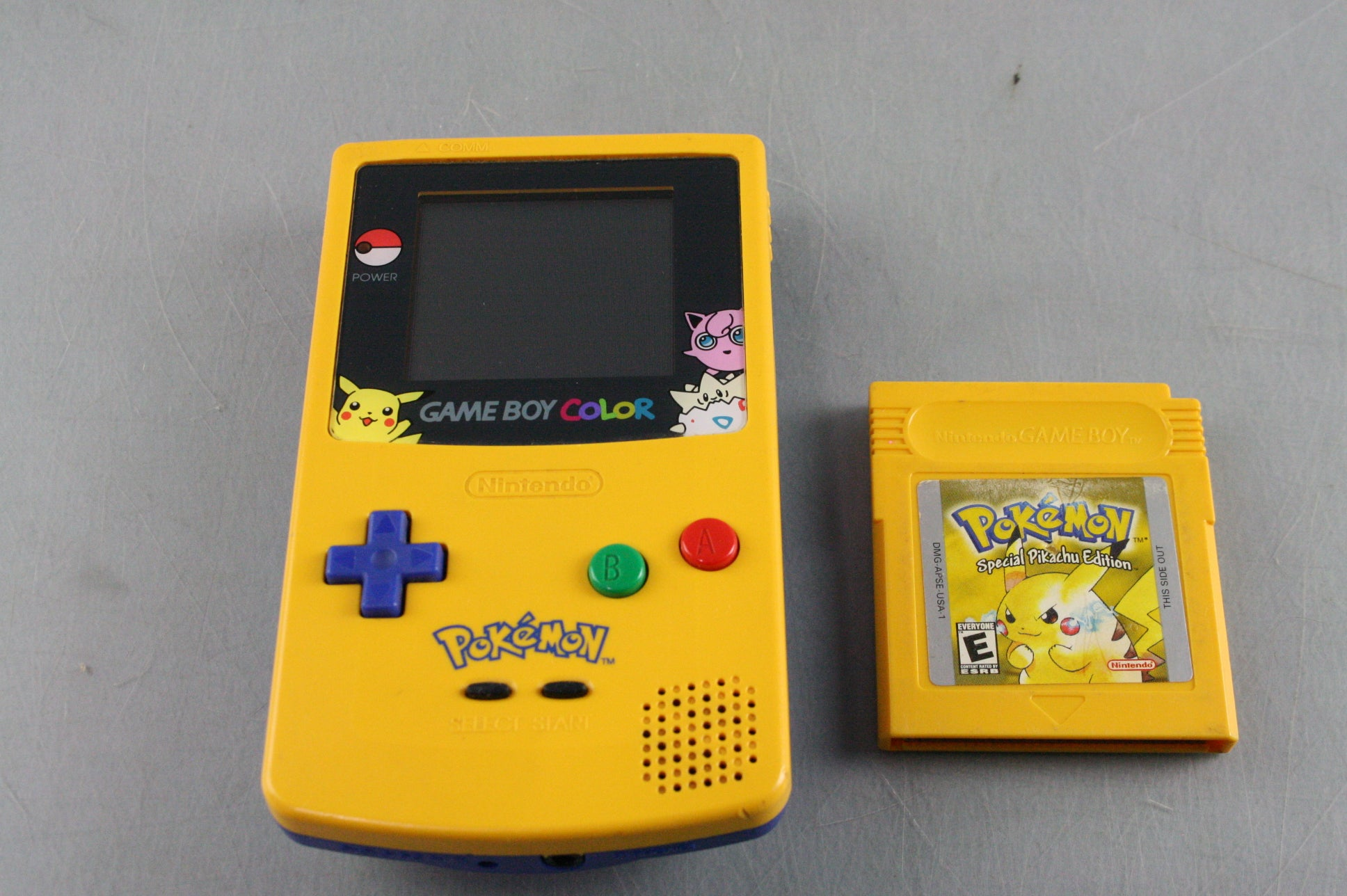 Nintendo GAME BOY COLOR Pokemon Special Pikachu Edition