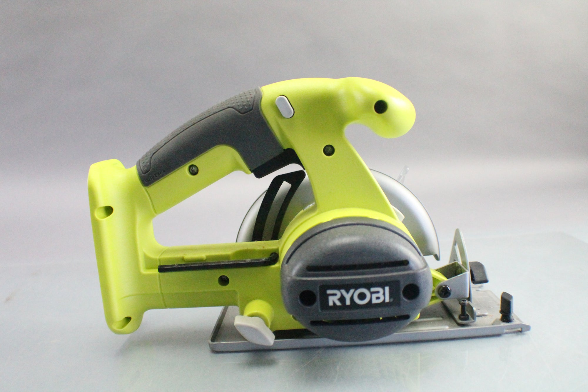 Ryobi One+ P501G 18V Lithium Ion Cordless with 5-1/2 Inch Circular Saw