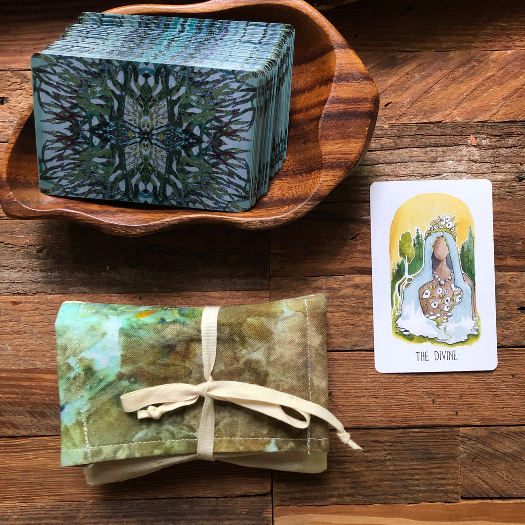 Mini Oracle with pouch | The Divine