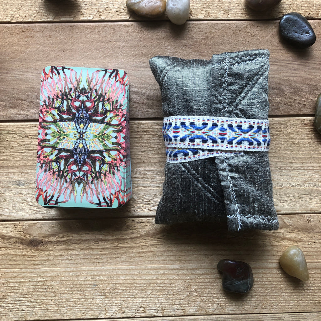 Oracle Card Bag | silk gray quilted