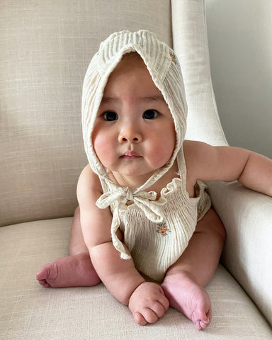 Bonnet, Oatmeal Flower (Baby)