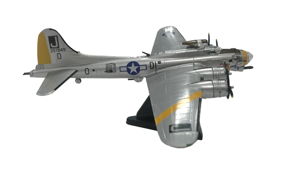 Photo of model airplane B-17G