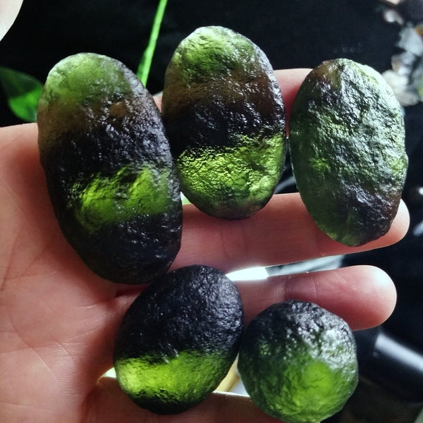 How to spot fake Moldavite