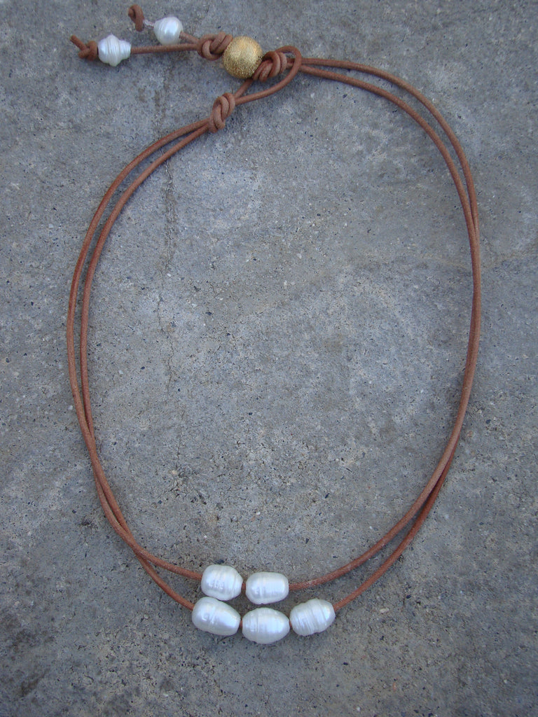 Double Nature leather freshwater pearls necklace