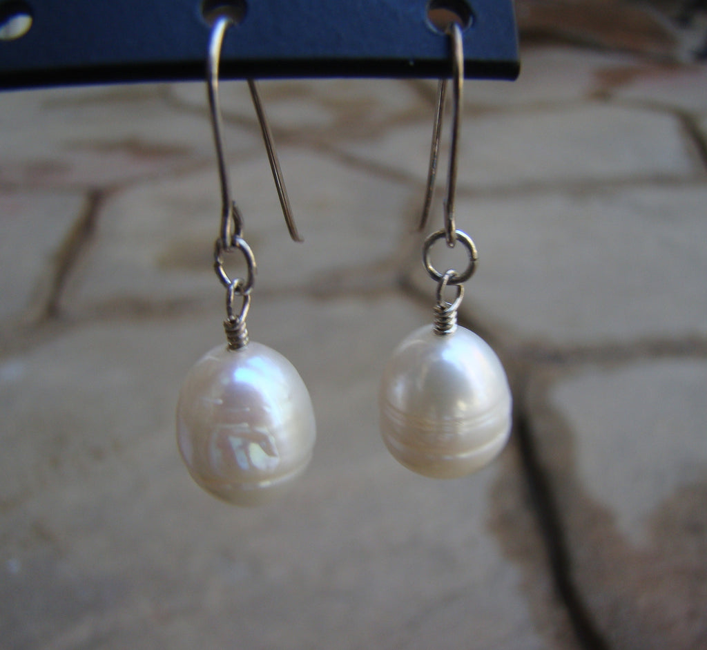 Earrings-silver classic pearl