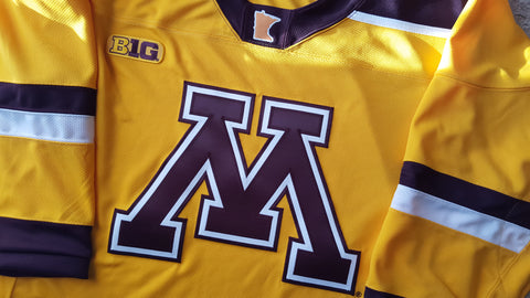 2015-2018 Minnesota Gophers Hockey Alternate Jersey
