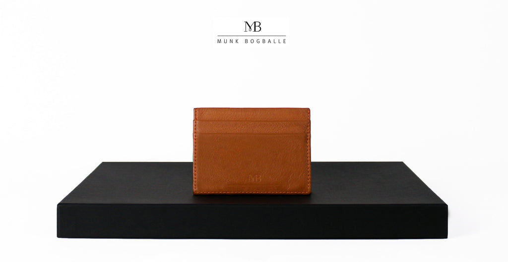 Our credit card holder in cognac