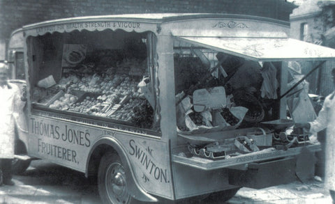 Thomas Jones mobile fruiterer, Swinton postcard