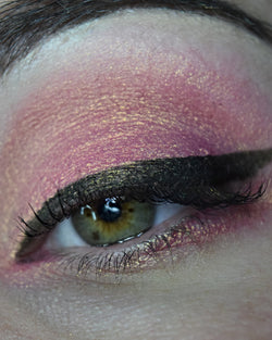Femme Fatale loose eyeshadow in Animal-Shaped Jellies