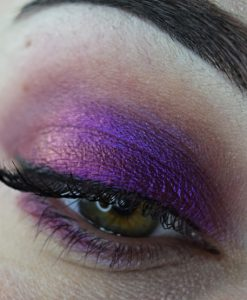 Femme Fatale loose eyeshadow in Attack of the Mutant