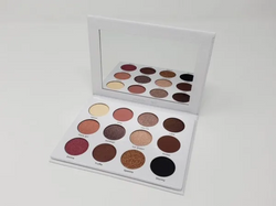 Eyeshadow palette in Winter by the Sunshine Brit
