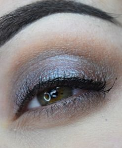 Femme Fatale loose eyeshadow in The Barking Ghost