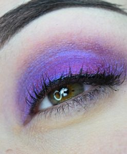 Femme Fatale loose eyeshadow in The Headless Ghost