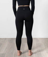 Load image into Gallery viewer, Elevate Classic Black Legging