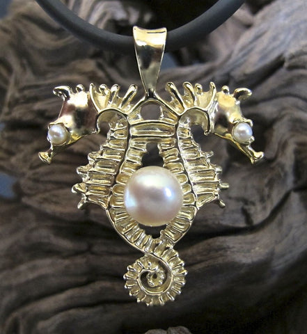 14K Gold Back-to-Back Venetian Seahorses Necklace with Freshwater Pearls, Akoya Pearl #222P