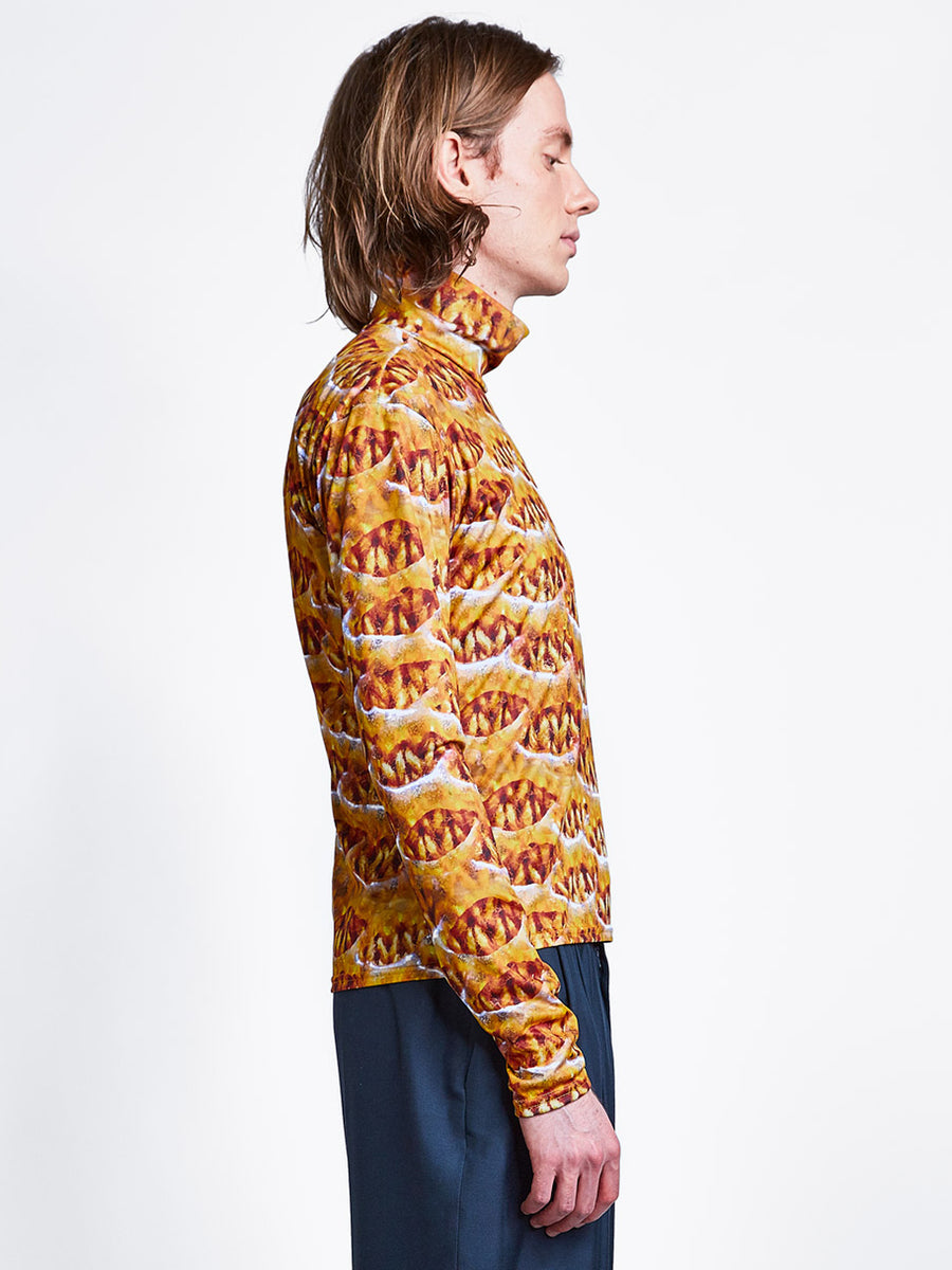 Men's zip turtleneck in orange print