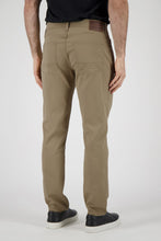 Load image into Gallery viewer, Athletic Fit Men's Jean - Khaki