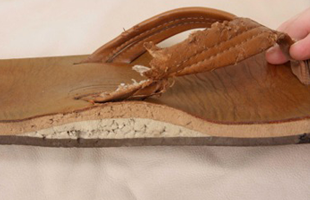 Rainbow Sandals Australia, Rainbow thongs, non-guarantee