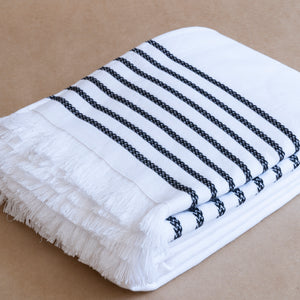 Lila Towel in White