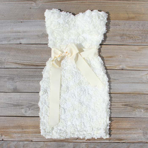 The Sugar Flower Dress in White: Featured Product Image