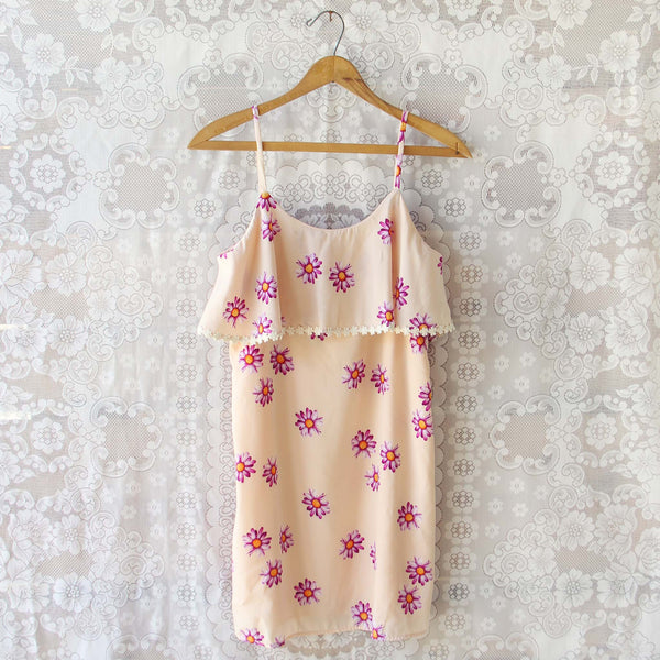 The Daisy Dress: Featured Product Image