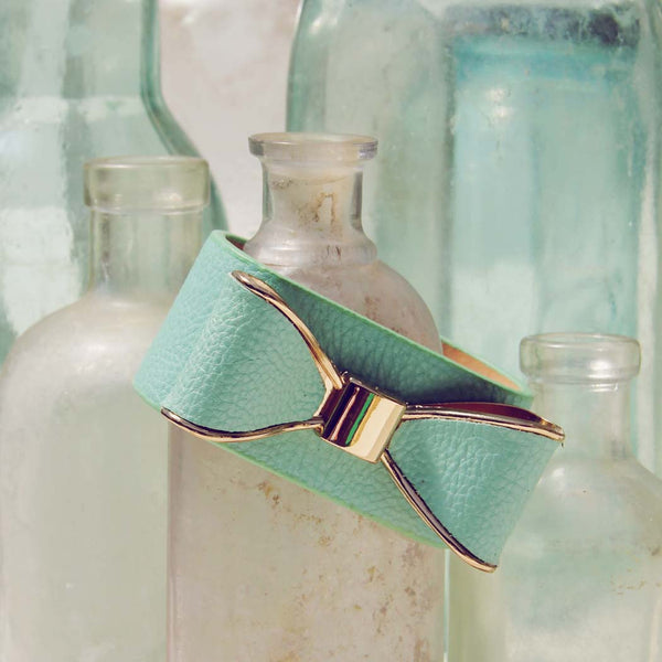 Charmed Bows Bracelet in Mint: Featured Product Image