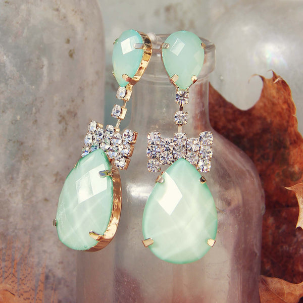 Mint & Bows Earrings: Featured Product Image
