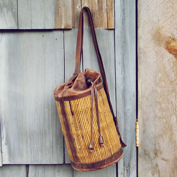 Vintage Leather Bucket Tote: Featured Product Image