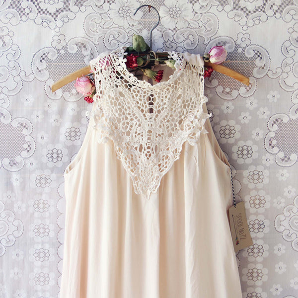 Meadow Sage Dress in Cream: Featured Product Image