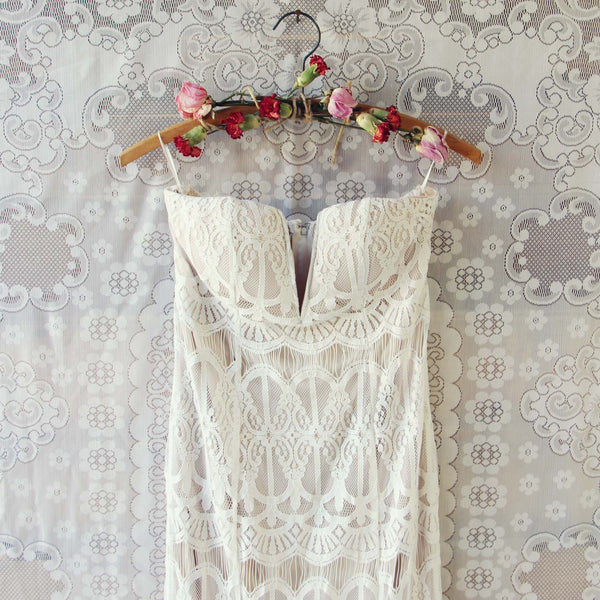 Angelic Lace Maxi Dress: Featured Product Image