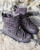 Bear Cabin Cozy Boots in Gray: Alternate View #1