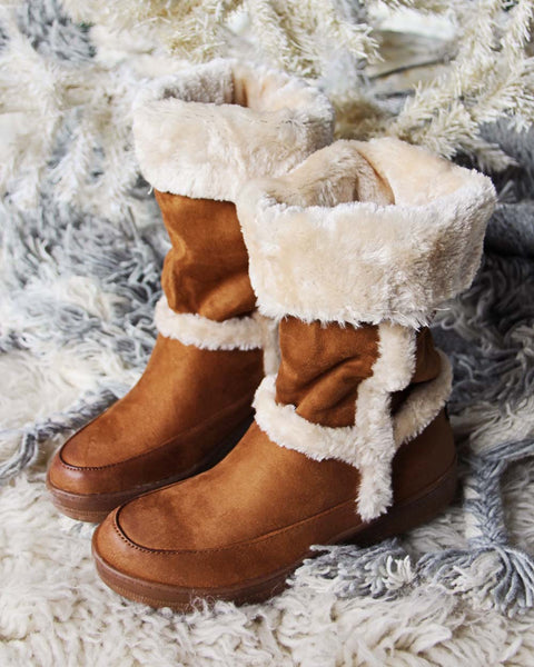 Cascade Cozy Boots: Featured Product Image