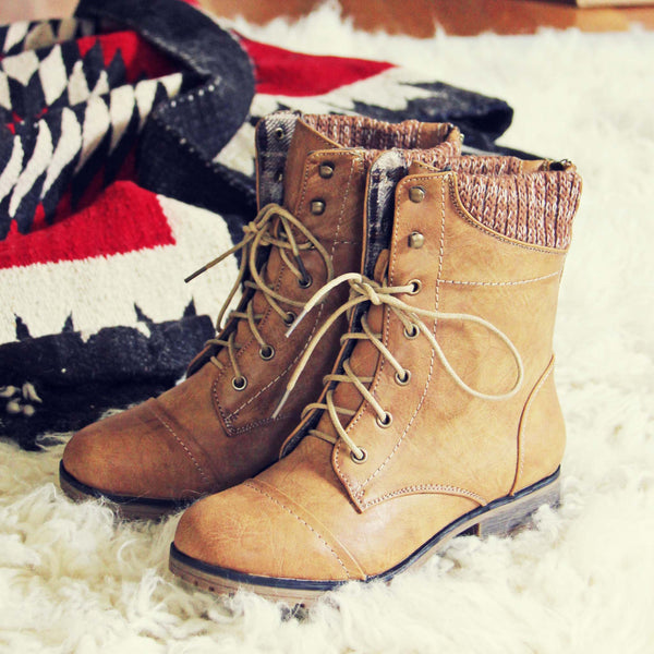 Cascade Lakes Boots in Tan: Featured Product Image